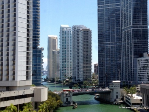 picture of Miami from train